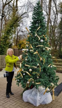 Rosemary Conley at the memory tree